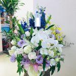 一周忌法要の供花アレンジメントをお届けしました