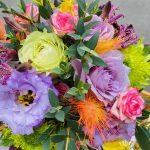 定期装花の花束をご注文頂きました。
